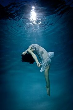 underwater dance woman 2